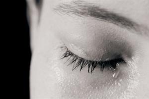 Μη χύνετε άσκοπα τα δάκρυα σας