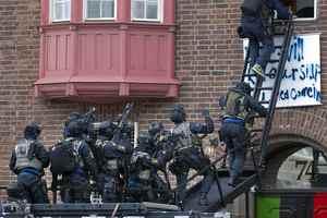 Συλλήψεις για την κατάληψη στην πρεσβεία της Στοκχόλμης