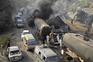 Έκρηξη σε βυτιοφόρα του ΝΑΤΟ στο Πακιστάν