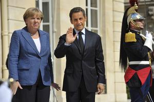 «Όχι» Μέρκελ- Σαρκοζί σε έκδοση ευρωομολόγου