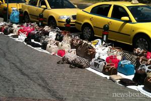 Πρόστιμα ύψους 16.350 ευρώ για παράνομη διακίνηση προϊόντων στην Αθήνα
