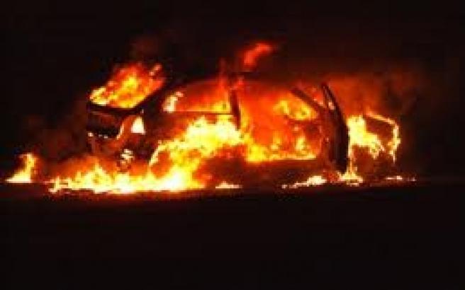 Φωτιά σε όχημα μετά από εμπρησμό στις Συκιές Θεσσαλονίκης
