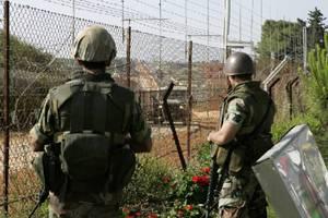 Στρατιώτες τραυματίστηκαν από πυρά αγνώστων