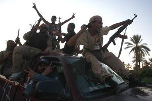 Οι εξεγερμένοι θα ζητήσουν την έκδοση της οικογένειας Καντάφι