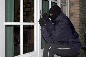 Εισβολή κουκουλοφόρων σε σπίτι στα Πιτσά Κορινθίας