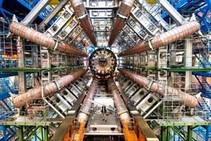 Την Ελλάδα επισκέπτεται ο διευθυντής του CERN