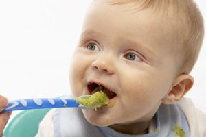 Πώς να κάνετε το μωρό σας να φάει