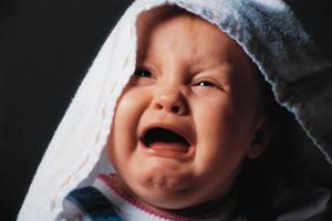 Οι βρεφικοί κολικοί μπορεί να γίνουν παιδικές ημικρανίες