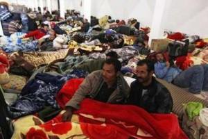 Χιλιάδες άμαχοι φεύγουν από τη Σύρτη