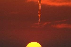 Ανεμοστρόβιλος και ηλιοβασίλεμα… δύο σε ένα