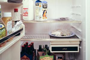 Πώς να διώξετε τις δυσάρεστες οσμές από το ψυγείο σας