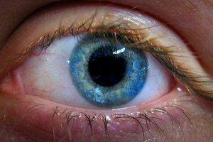 Κινδυνεύει να χάσει το μάτι της από λάθος φάρμακο!