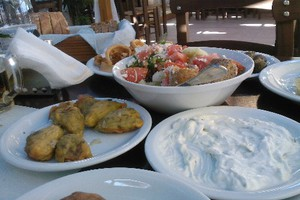 Μεζέδες και εδέσματα στη Θεσσαλονίκη