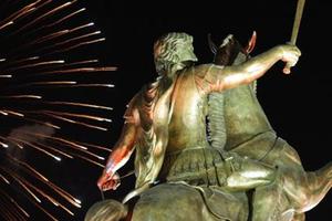 Συνελήφθη ο «εμπνευστής» του αγάλματος του Μ. Αλέξανδρου στα Σκόπια