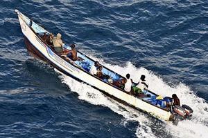 Παρατείνεται η αντιπειρατική παρουσία στον Ινδικό