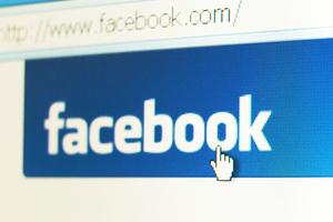 «Πυρά» φοιτητή κατά του Facebook