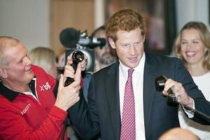 Έβαλε τα γυαλιά στους χρηματιστές ο πρίγκιπας ο Harry