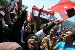 Συνεχίζονται οι ογκώδεις διαδηλώσεις στο Κάιρο