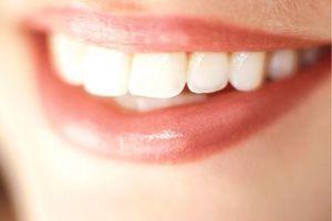 Που βγαίνει με κάποιον κακό δόντι