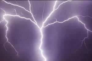 Φονικός κεραυνός χτύπησε εκκλησία στο Μαλάουι