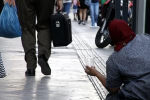 Οι πλούσιοι Έλληνες να μιμηθούν τους εθνικούς ευεργέτες του παρελθόντος