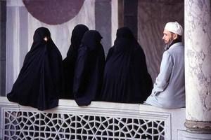 «Εξτρεμιστικές ιδέες ο φεμινισμός, ο αθεϊσμός και η ομοφυλοφιλία»
