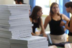 Ποια βιβλία θα πρέπει να κρατήσουν οι μαθητές για το επόμενο έτος