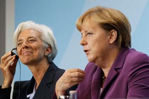 Εξωθούν τη χώρα στο περιθώριο της «νέας Ευρώπης»