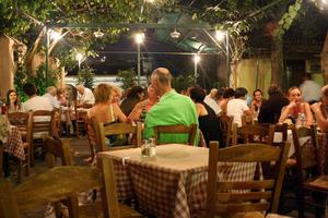 Ιδιοκτήτης ταβέρνας «έφαγε» πρόστιμο 500 ευρώ γιατί δεν είχε φύλλο παραπόνων