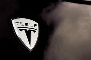 Φέτος το crossover της Tesla