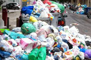 Σε κατάσταση έκτακτης ανάγκης η Τρίπολη λόγω σκουπιδιών