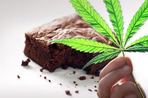 Μοίρασαν κέικ με μαριχουάνα σε κηδεία!