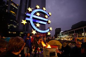 Εικοσιπέντε  χώρες υπέγραψαν το νέο σύμφωνο δημοσιονομικής πειθαρχίας
