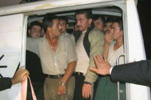Σε νταλίκα στοιβάχτηκαν 58 παράνομοι μετανάστες