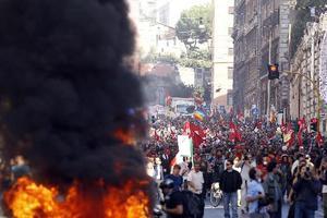 Σταματούν για ένα μήνα οι διαδηλώσεις στη Ρώμη