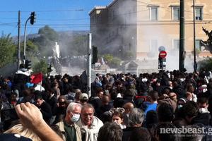 «Ανακατέλαβε» την πλατεία Συντάγματος η αστυνομία