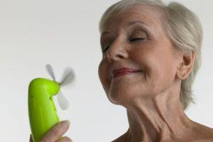 Αντιμετωπίστε τα συμπτώματα της εμμηνόπαυσης