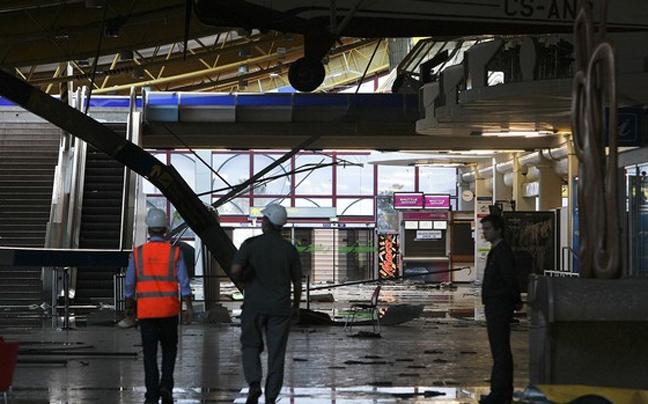 http://www.newsbeast.gr/files/1/2011/10/24/aerodromioastunomia3.jpg