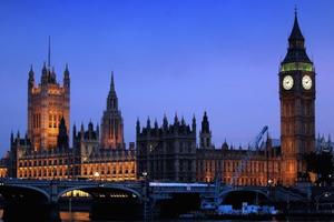 Στο ΣΔΟΕ λίστα με αγοραπωλησίες ακινήτων από Ελληνες στη Βρετανία