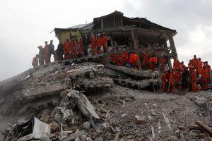 Στα 2 δισ. οι πληγέντες από τους σεισμούς