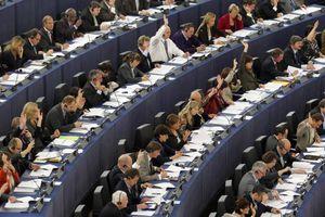 «Όχι» του Ευρωκοινοβουλίου στο διορισμό του Υβ Μερς στο ΔΣ της ΕΚΤ