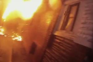 Φωτιά ξέσπασε στην περιοχή του Ψυρρή