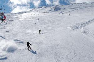 Πλημμύρισε με λάτρεις του σκι το χιονοδρομικό στο Φαλακρό