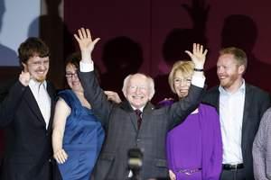 Νέος πρόεδρος της Ιρλανδίας ο Μάικλ Χίγκινς