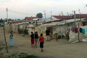 Κατεδάφιση παραπηγμάτων σε καταυλισμό Ρομά στην Πάτρα