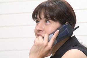 Στο μισό το πάγιο σε κομμένες τηλεφωνικές συνδέσεις