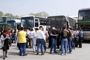 Να παραταθούν οι περσινές συμβάσεις για τη μεταφορά των μαθητών
