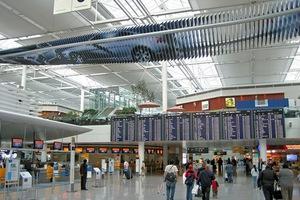 Νέες απεργίες στα γερμανικά αεροδρόμια για τους μισθούς