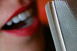 Όταν αλλοιώνεται η φωνή μας...