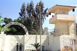 Κρατούμενοι φυλακών Αυλώνα: Εκτός από σφαλιάρες και κλωτσιές δεν έπαθε τίποτα